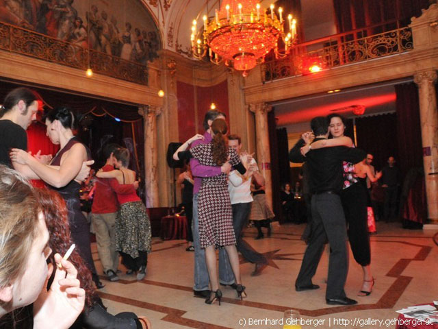 Crossover Milonga Tango Argentino Samstags Oder Sonntags In Wien